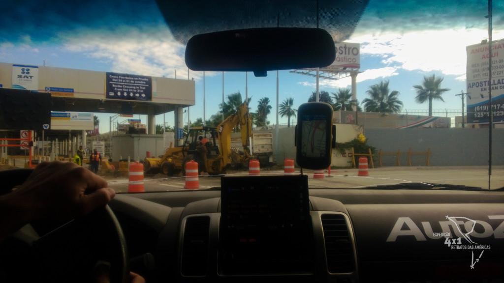 A confusa e movimentada fronteira entre San Diego (EUA) e Tijuana (México)